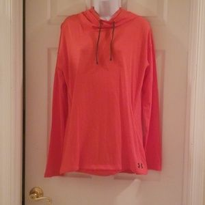 Under armor size large long sleeve hoodie